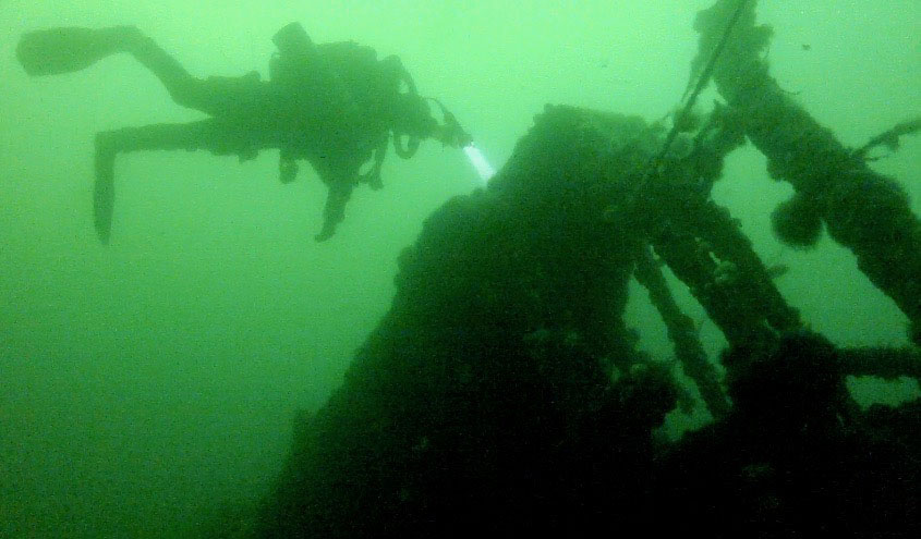 Kintyre-bow-and-diver1